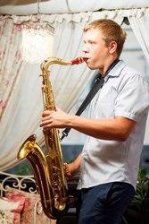 Живая музыка. Саксофонист на свадьбу,  корпоратив,  презентацию.